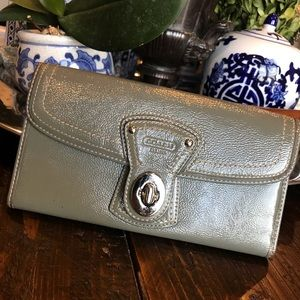 COACH Grey Patent leather turn lock wallet